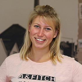 Portrait Jaqueline Plamper, Technisches Online Marketing (SEO, Advertising, Analytics)